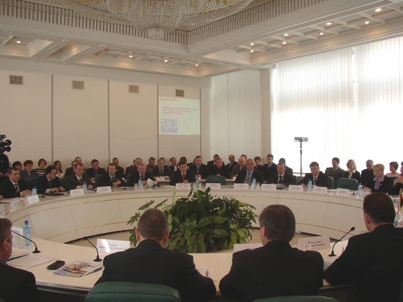 Симпозиумы и конференции с привлечением ведущих европейских специалистов